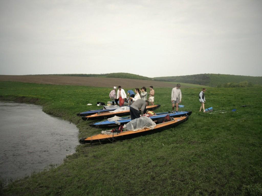 Байдарки готуються до запливу