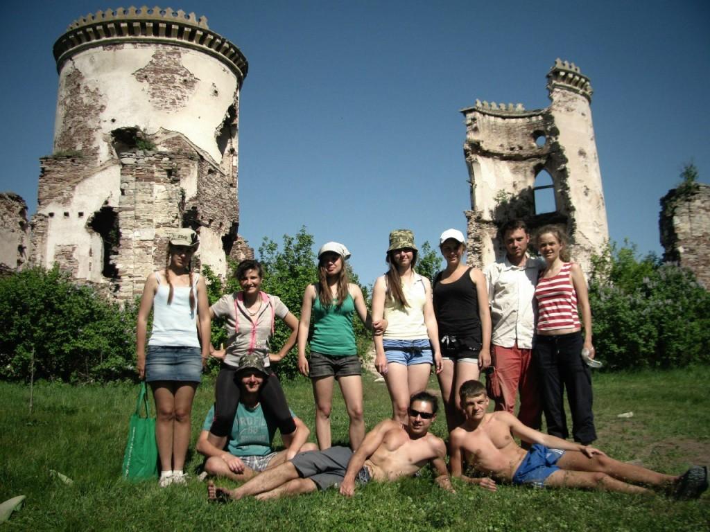 Руїни Червоногрудського замку